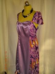 saténové asymetrické šaty dlouhé